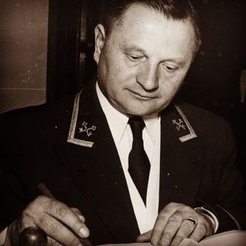 Mr. Ferdinand Gillet, founder of Les Clefs d'Or. Cannes 1952